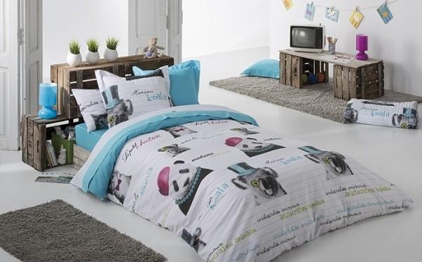 cojines a juego con la ropa de cama