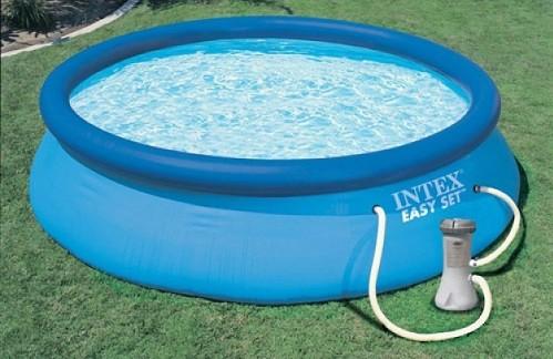 piscina hinchable con agua