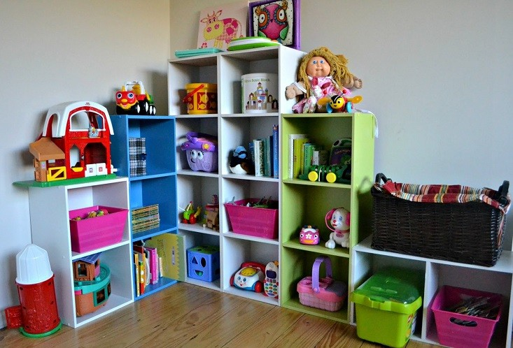como guardar juguetes en espacios pequeños