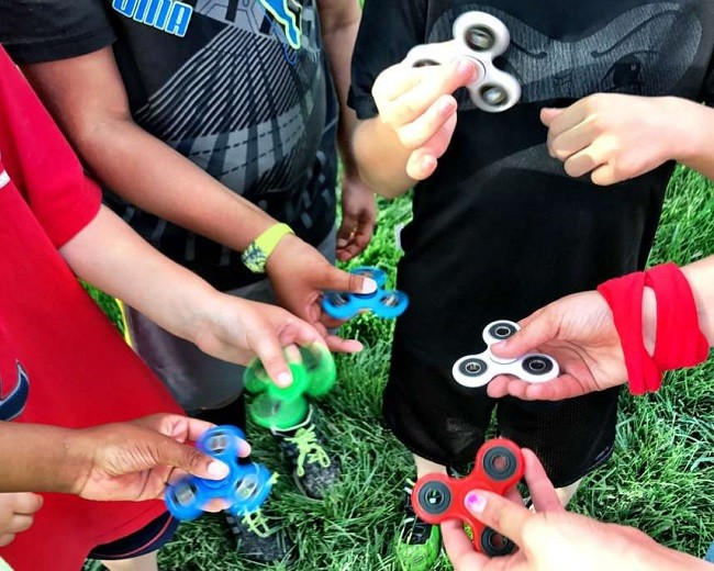 fidget spinner juguete para ninosque es fidget spinner sirve como juguete para niños