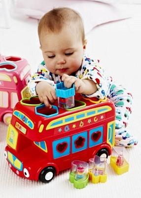 juguete recomendado para 6 meses con formas encaje