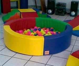 parque de bolas para colegio niños en primaria