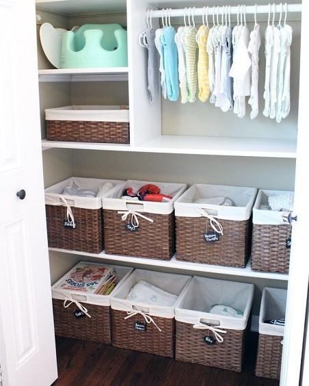 cestos para organizar armario de niños