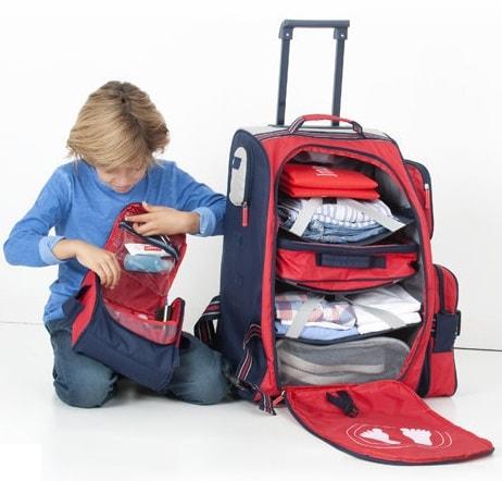 espacio interior maleta de viaje para niños