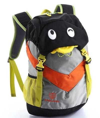 mochila de viaje infantil