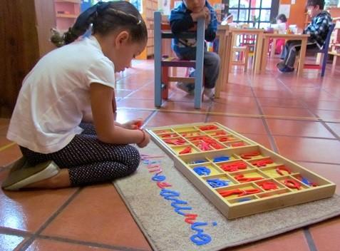 abecedario montessori para jugar y aprender