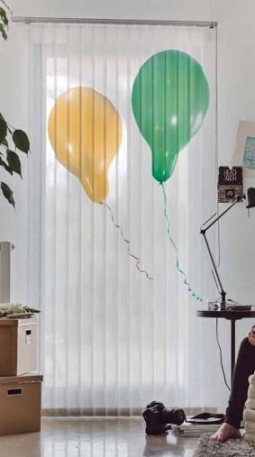 cortina de lamas verticales habitacion infantil