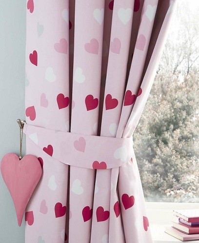 cortinas de corazones para dormitorio chica