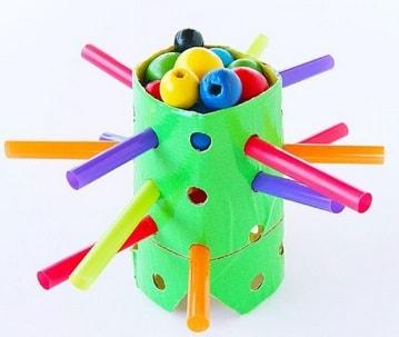 juguete con material reciclado